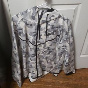Nike dri fit tech fleece snow camo hoodie
